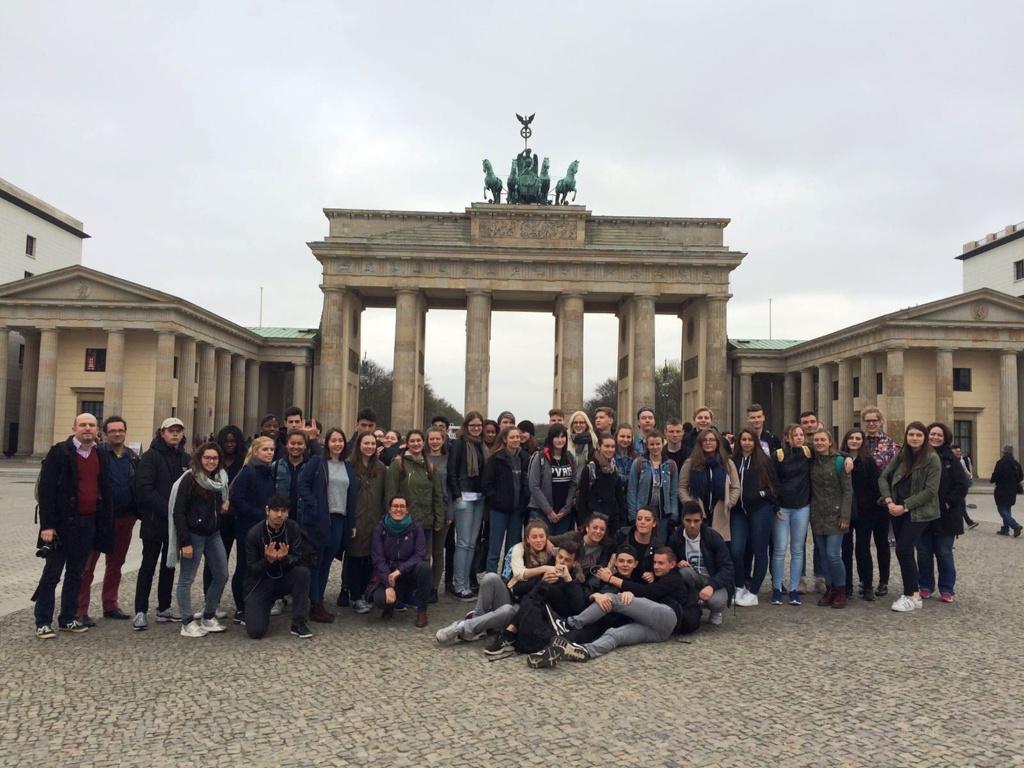 Gruppenfoto vor Brandenburger Tor